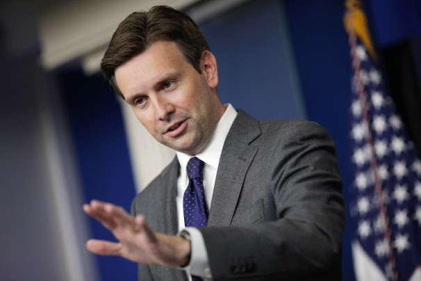 White_House_spokesman_Josh_Earnest